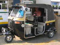 Amy in a rickshaw in Jaipur, India