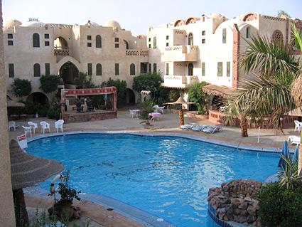 Amar Sina Hotel Pool