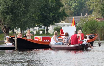 Ice Cream Boat in Giethoorn
