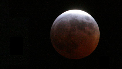 Total Lunar Eclipse from Leiden, the Netherlands - Stage 3
