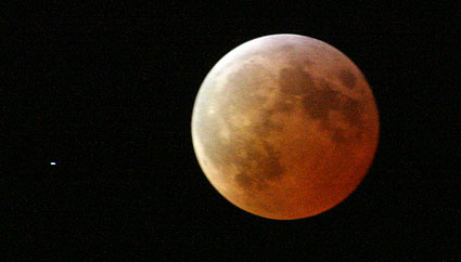 Total Lunar Eclipse from Leiden, the Netherlands - Stage 4